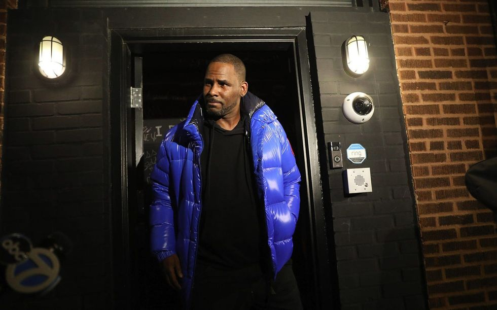 With prosecutors wrapping their case at R. Kelly's federal racketeering trial in NY, focus shifts to the singer's defense