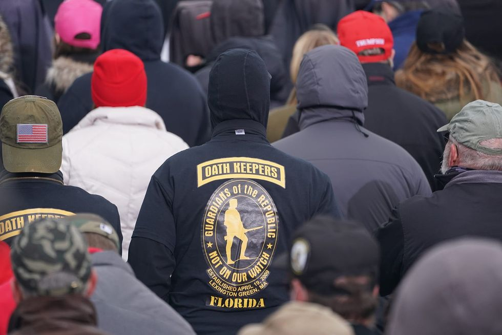 2 NYPD officers probed for suspected affiliation with far-right militia Oath Keepers, group linked to storming of Capitol