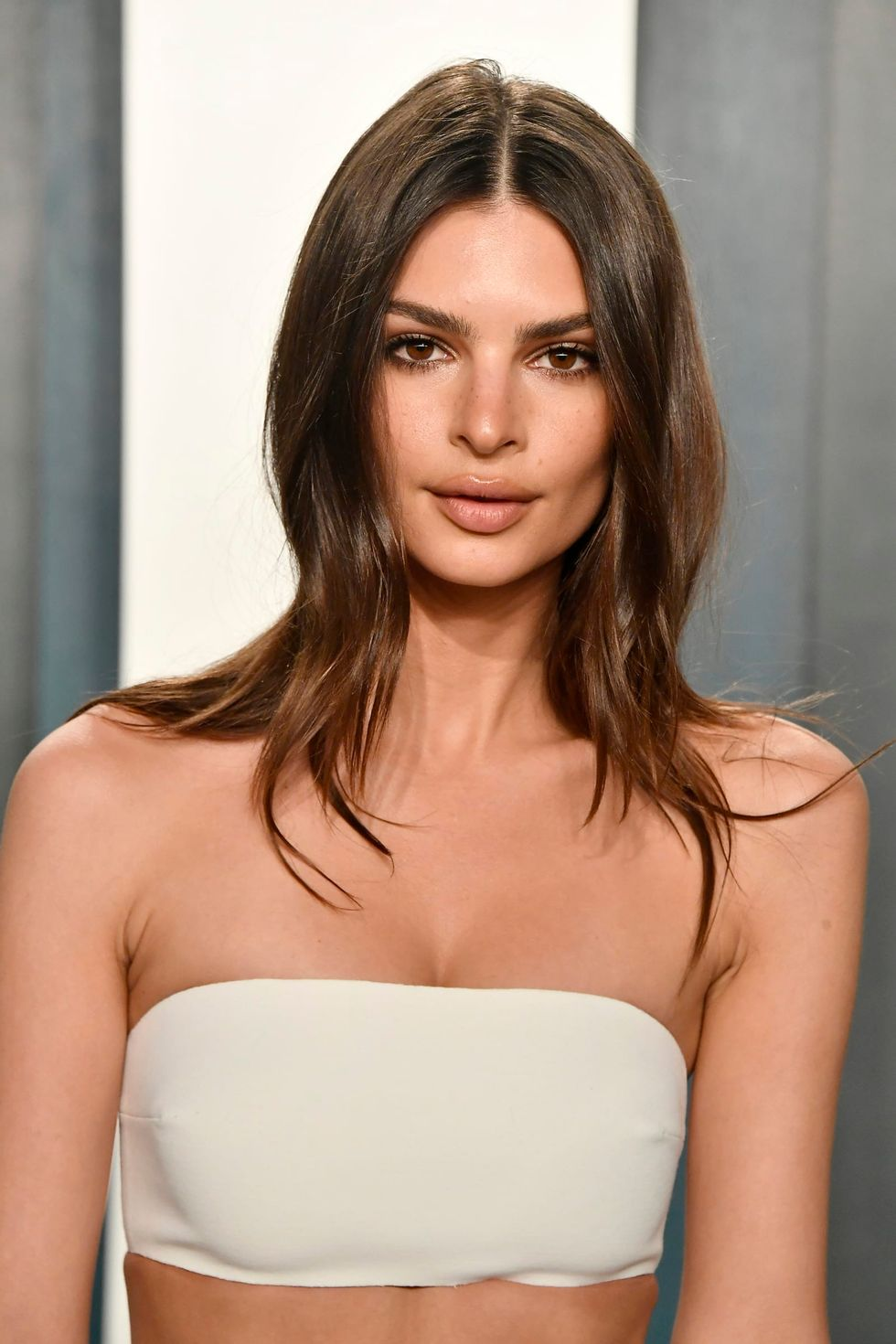 Emily Ratajkowski says Robin Thicke grabbed 'my bare breasts' on set of 'Blurred Lines' video
