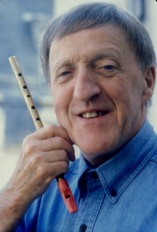 Paddy Moloney, Irish folk musician of the Chieftains, dies at 83