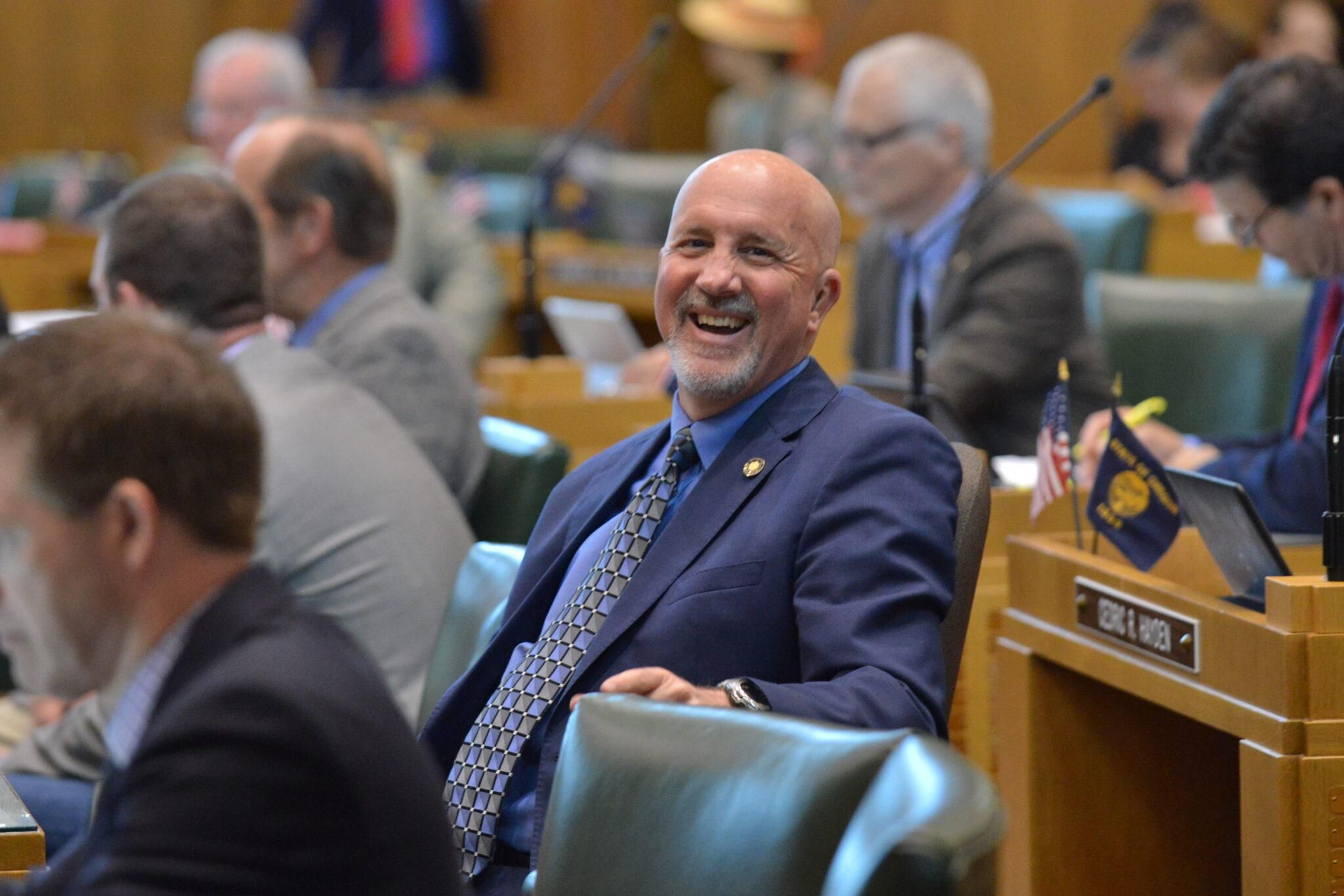BUSTED: Oregon Republican will resign two months after moving to Nevada