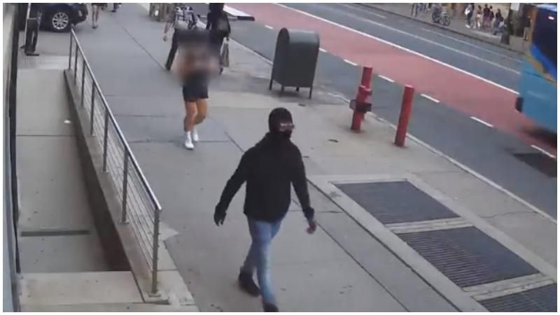 WATCH: Man stabs Apple Store security guard and punches female employee during mask dispute