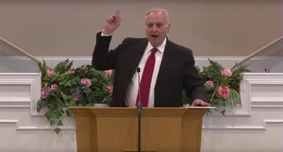 Tennessee pastor claims all scientists are abandoning evolution for UFOs and aliens which is God