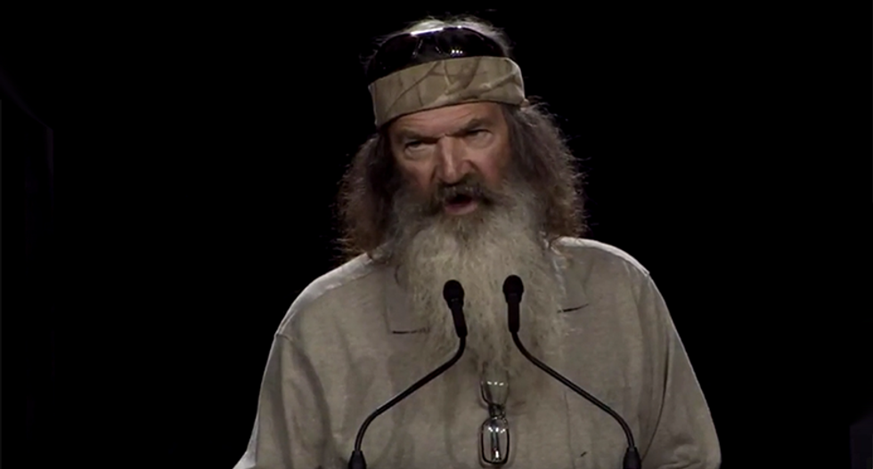 'Don't tell me he wasn't here!' Watch Duck Dynasty dad's worst ever proof that Jesus was real