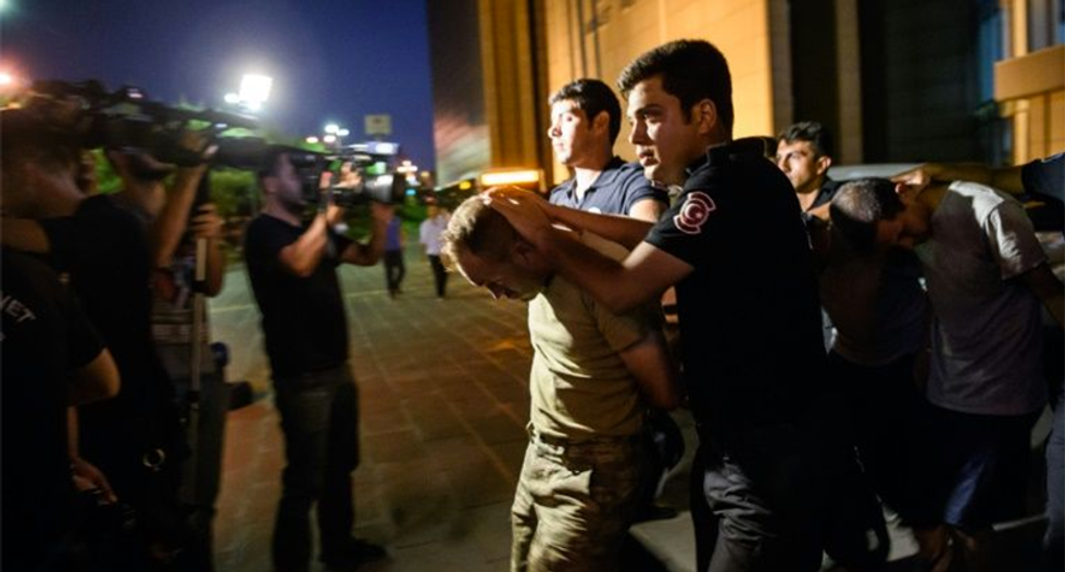 Turkey rounds up 6,000 suspects after failed coup