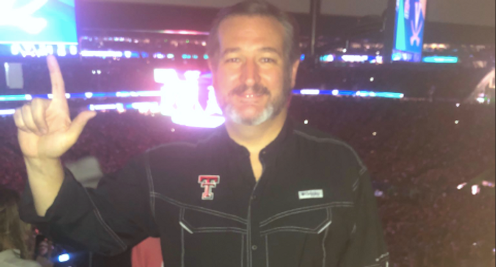 Ted Cruz drowned in mockery after posting a selfie from NCAA championship — moments before his team lost