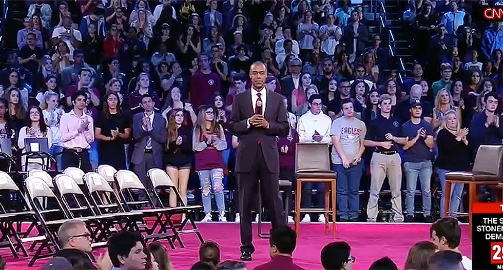Parkland gives standing ovation to superintendent who refused Trump 'solution' to arm teachers