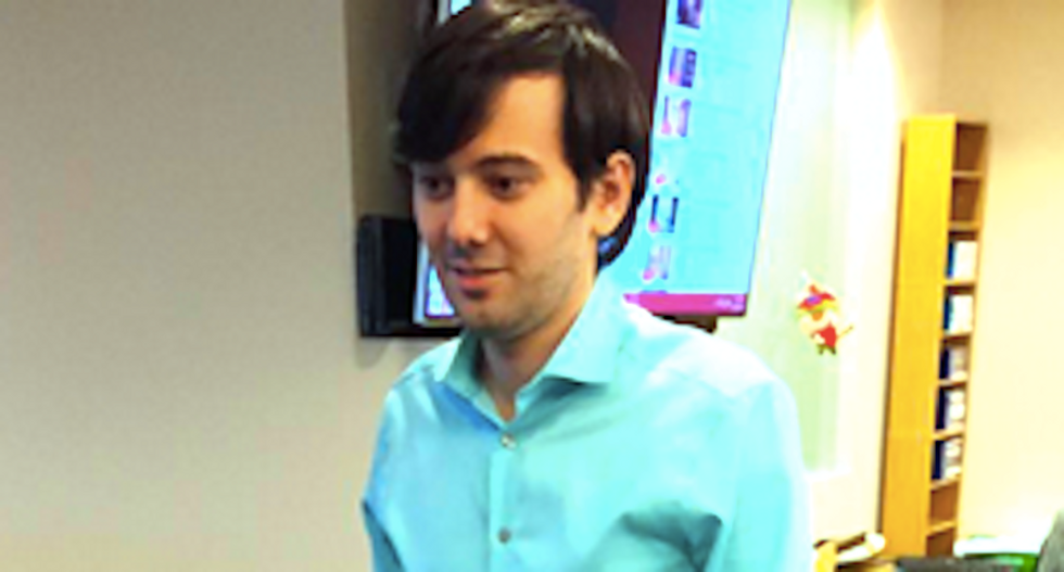 Price-gouging pharma bro under investigation for corporate looting, fraud and stalking