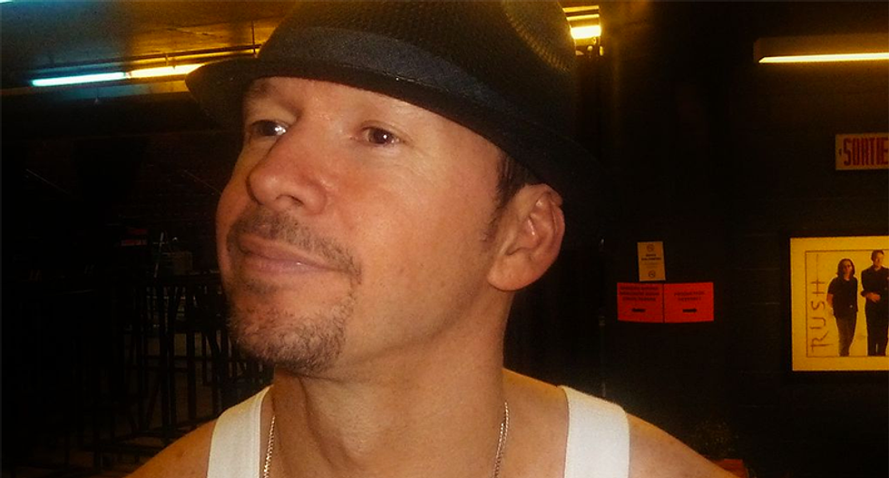 New Kids on the Block's Donnie Wahlberg endorses Rubio/Fiorina ticket