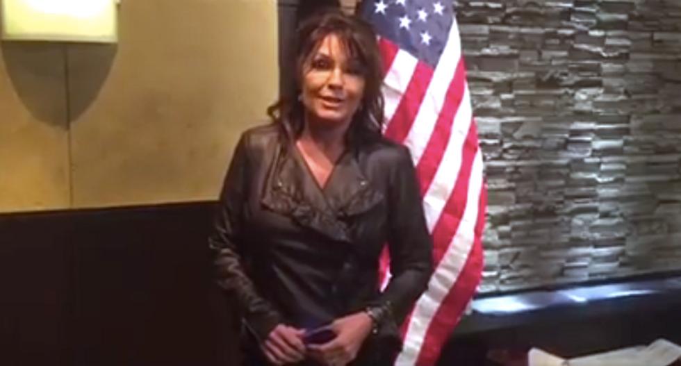 Sarah Palin shreds the dictionary to invite 'smart Democrats' to unite behind Trump
