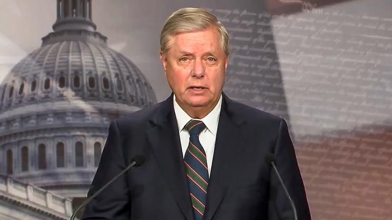 WATCH: Lindsey Graham blasted for screaming at cop for not defending him from Trump supporters