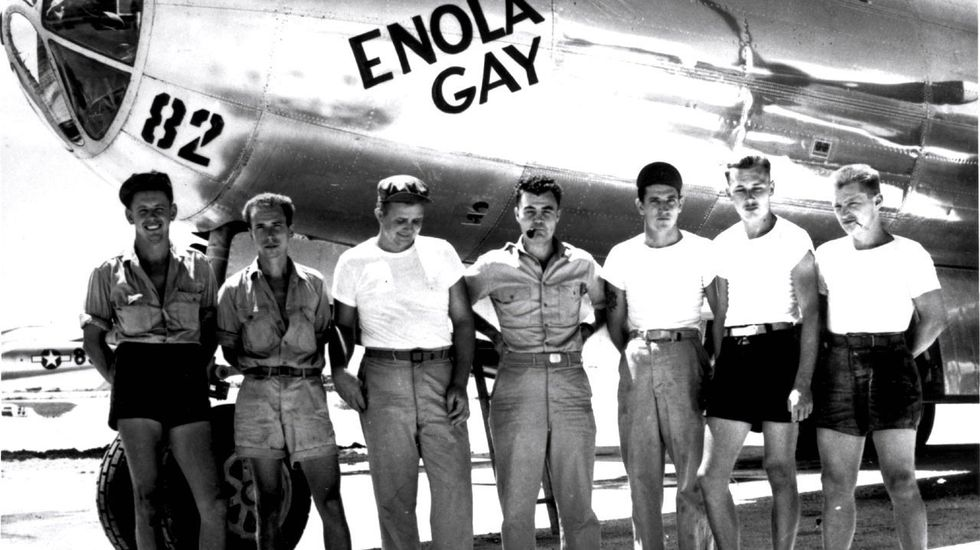 Theodore Van Kirk, last surviving member of Enola Gay crew, dies at 93 in Georgia