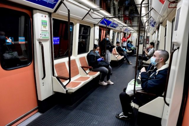 New York to resume 24-hour subway services
