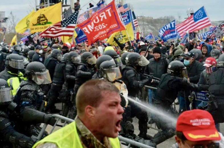Federal drug enforcement agent who joined crowd outside Capitol during riot suspended: report
