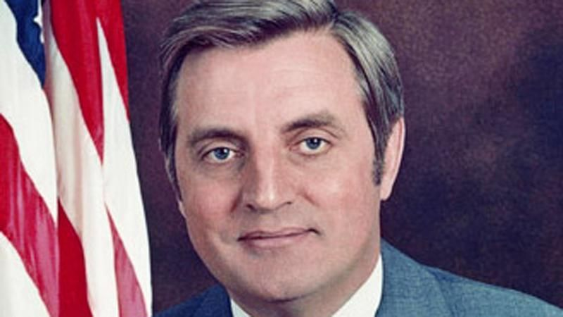 Former VP Walter Mondale dies at 93: report